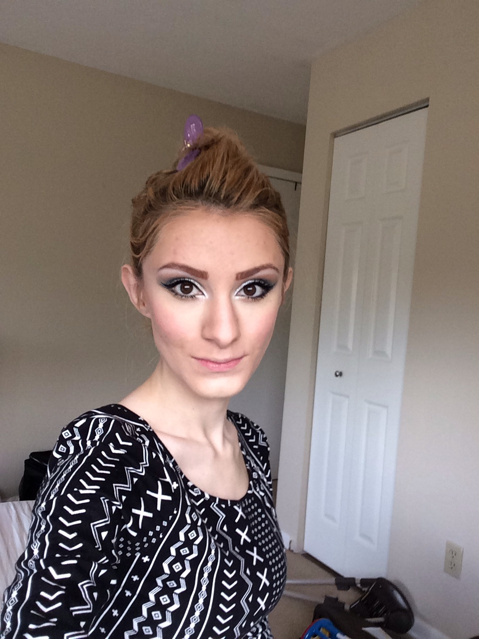 This picture is my makeup (still in process) WITH highlighting.