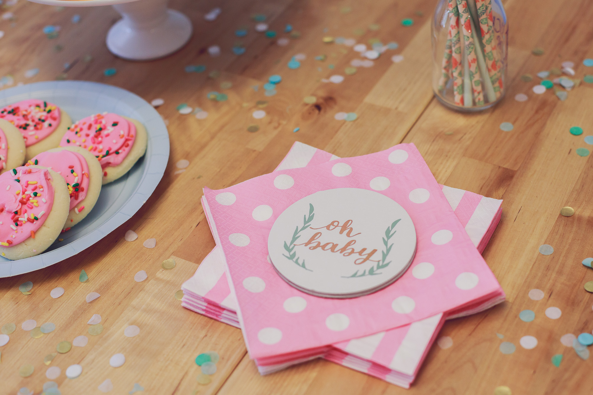 Cupcakes from gender reveal party on Linn Style by fashion, lifestyle and beauty blogger / vlogger Jessica Linn