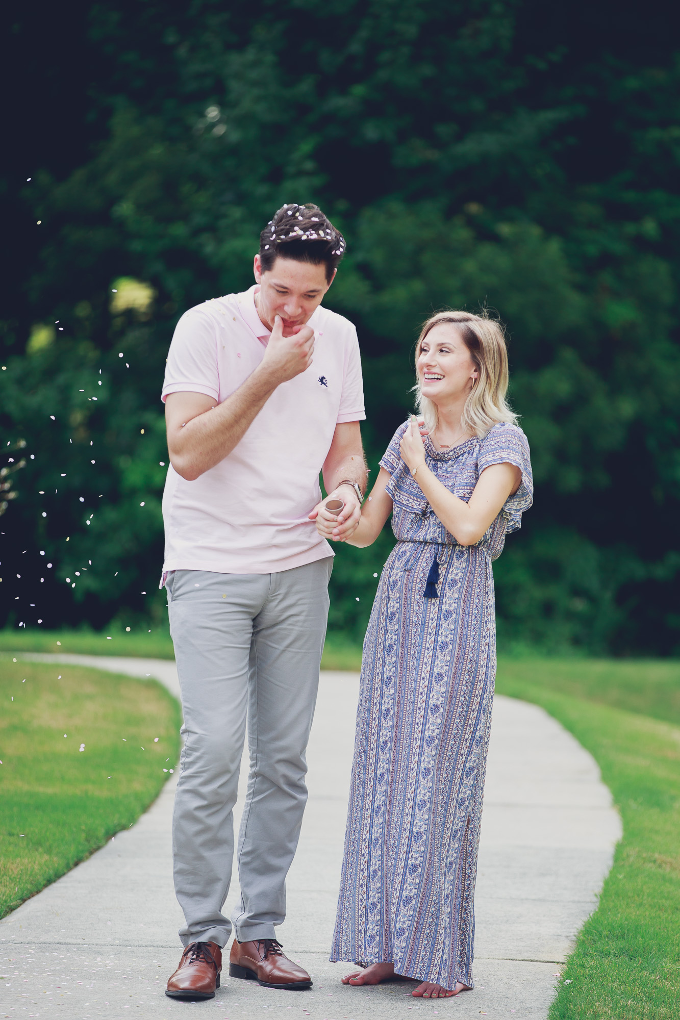Confetti poppers from gender reveal party on Linn Style by fashion, lifestyle and beauty blogger / vlogger Jessica Linn