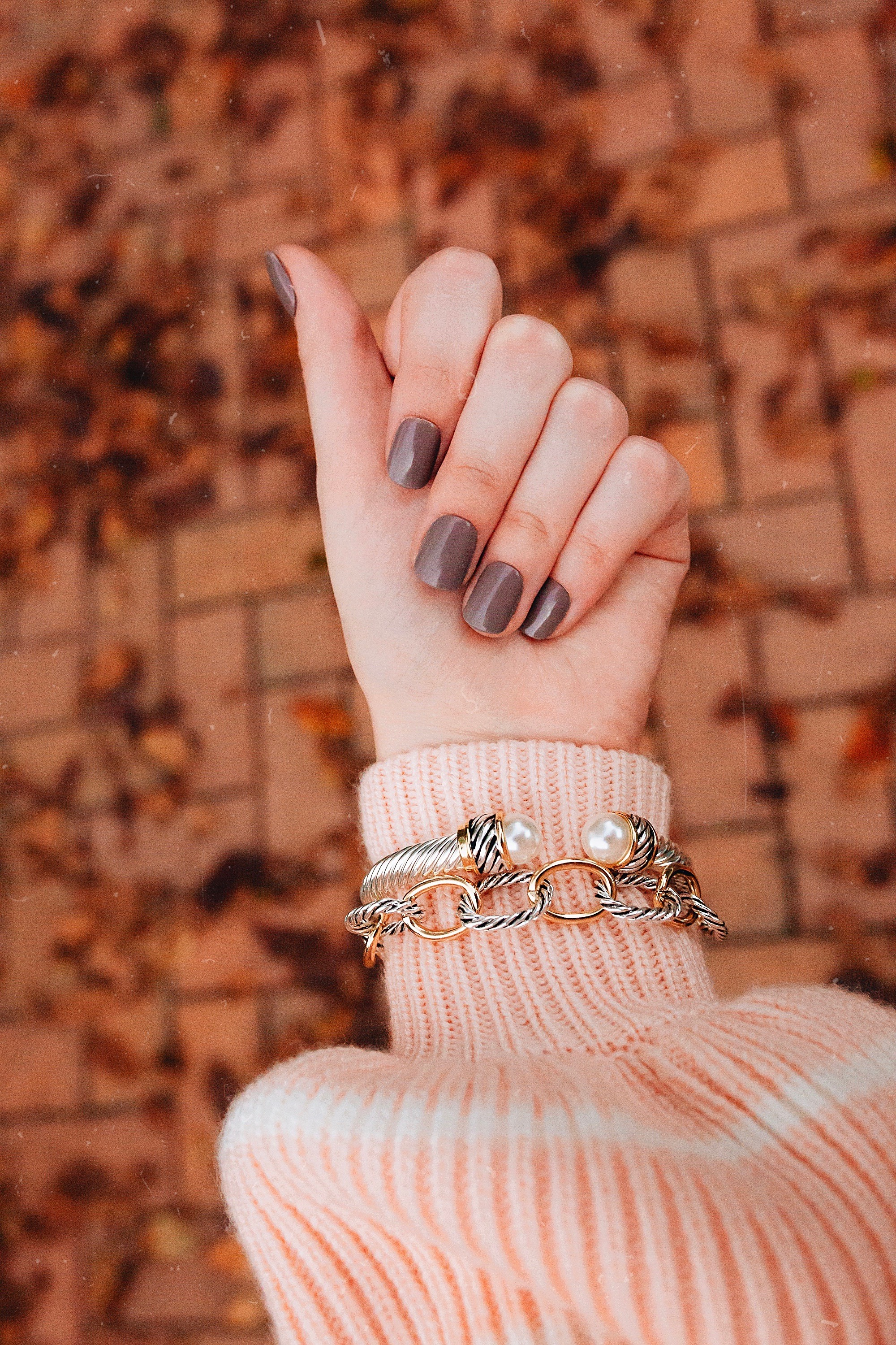 Designer Jewelry Alternatives by North Carolina fashion and lifestyle blogger Jessica Linn. Wearing David Yurman jewelry alternatives.