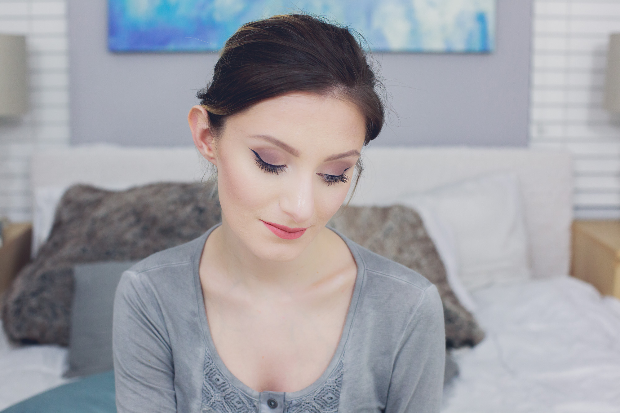 Makeup Tutorial and get ready with me bye Jessica Linn on Youtube and the fashion and lifestyle blog Linn Style