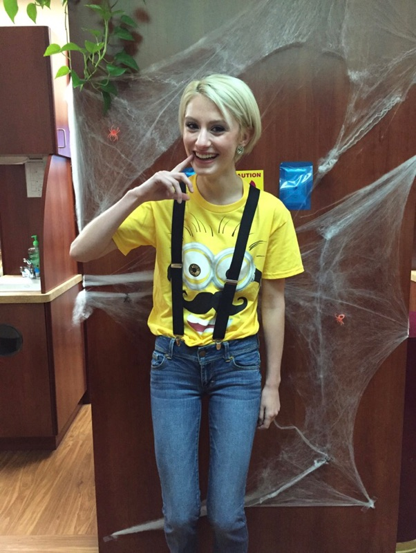 Lifestyle and fashion blogger Jessica Linn sharing Minion Halloween costume form work as a dental assistant