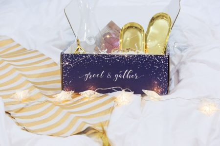 Greet & Gather Event, Party, and Special Occasion Subscription Service to help you host the perfect event! Unboxing by lifestyle and fashion blogger Jessica Linn on Linn Style