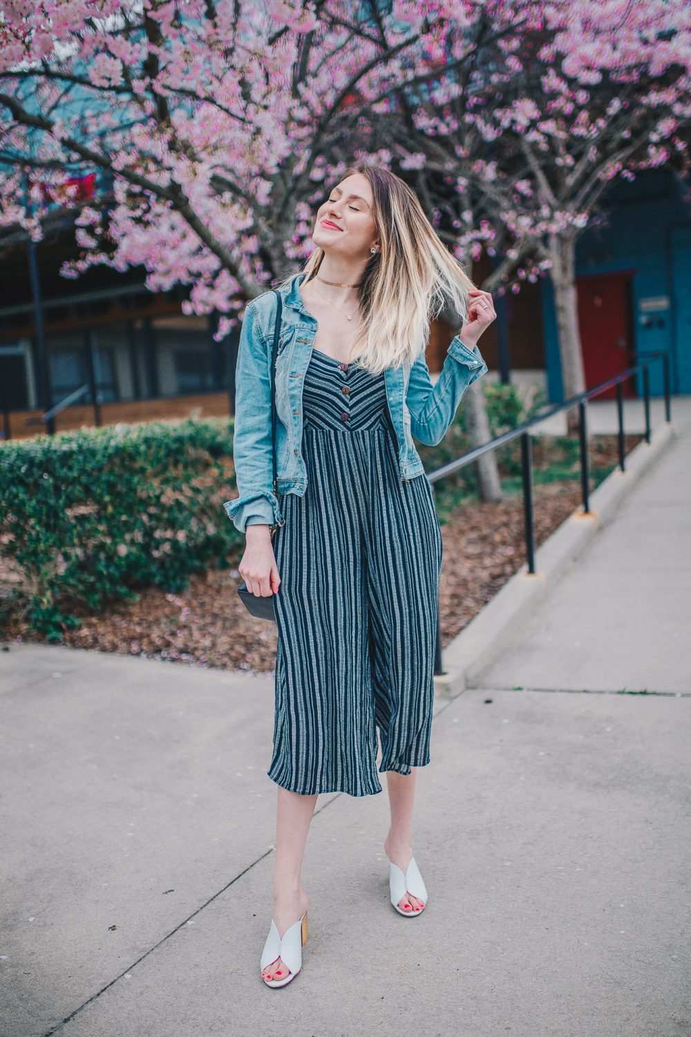 How To Style A Jumpsuit   Casual Jumpsuit Trend & Summer Fashion Inspiration
