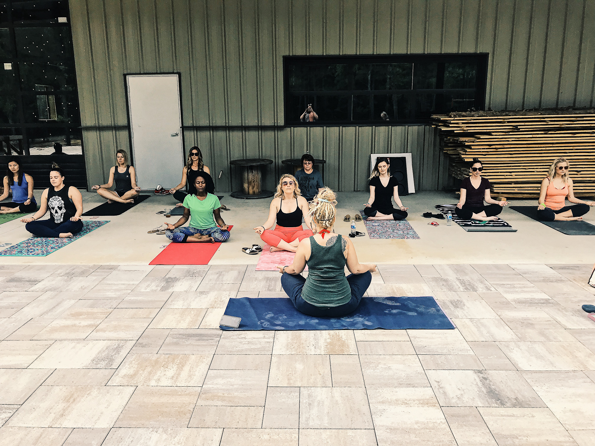 Beer and outdoor yoga at Dirtbag Ales with Hayat Yoga Shala | Fun things to do in Fayetteville North Carolina. Popular NC blogger Jessica Linn exploring historic downtown Fayetteville North Carolina.