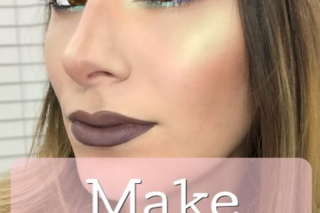 How To Make Brown Eyes Pop With Blue Eyeshadow | Enhancing Brown Eyes. Makeup tutorial by North Carolina fashion and lifestyle blogger and youtuber Jessica Linn.