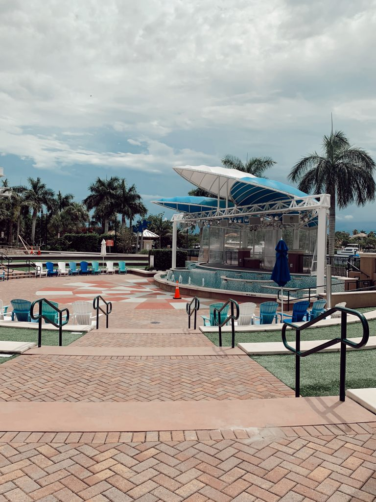 Things To Do In Jupiter Florida: Harbourside Place