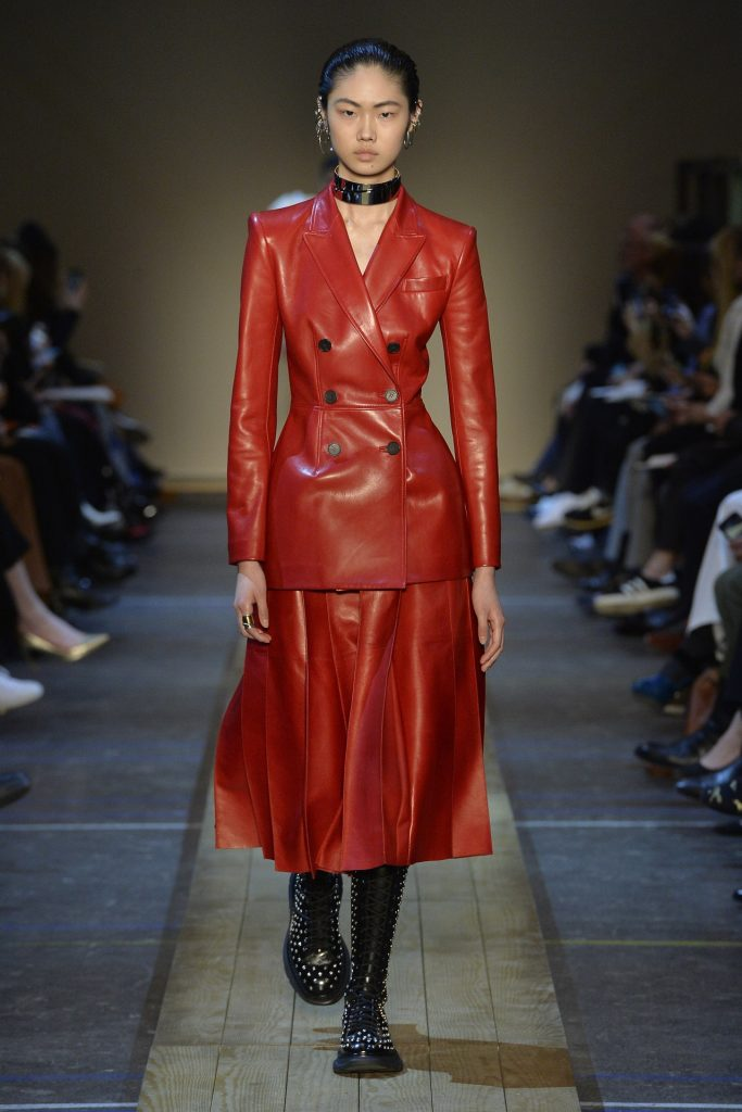 Paris: Alexander McQueenThe Best Fall 2019 Fashion Trends