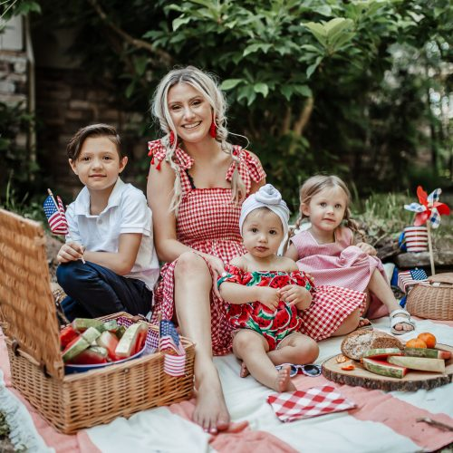 4th Of July Family Picnic Pictures | by Jessica Linn. Patriotic Memorial Day picnic photoshoot with watermelon